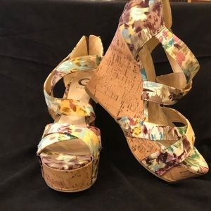 GUESS: Floral Cork Wedges